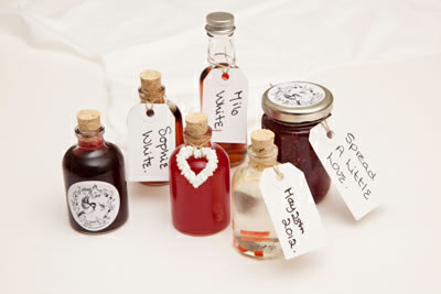 apothecary-bottle-favours