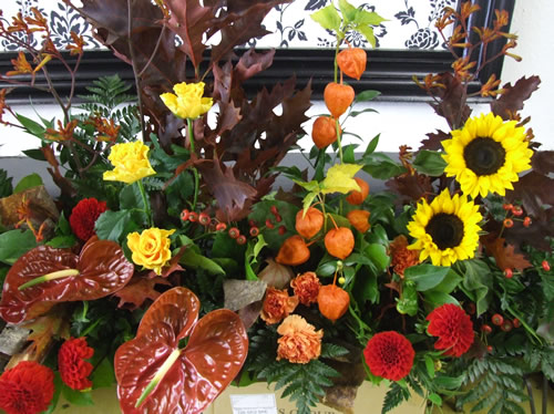 autumnal-sunflower-arrangement