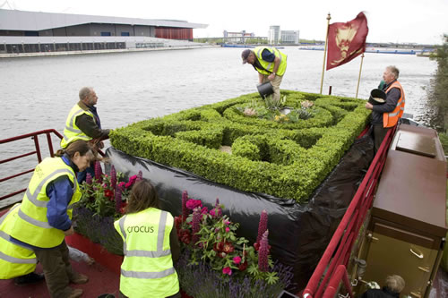 knot-garden-on-royal-barge