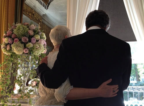 annie lennox ties the knot with vintage wedding flowers